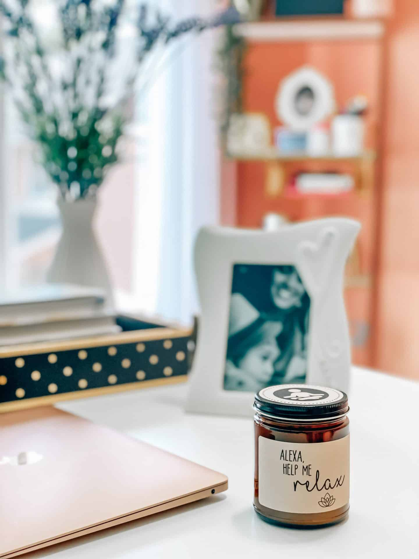 favorite_productive _product_finds_alexa_candle_home_office decor_photo_frame