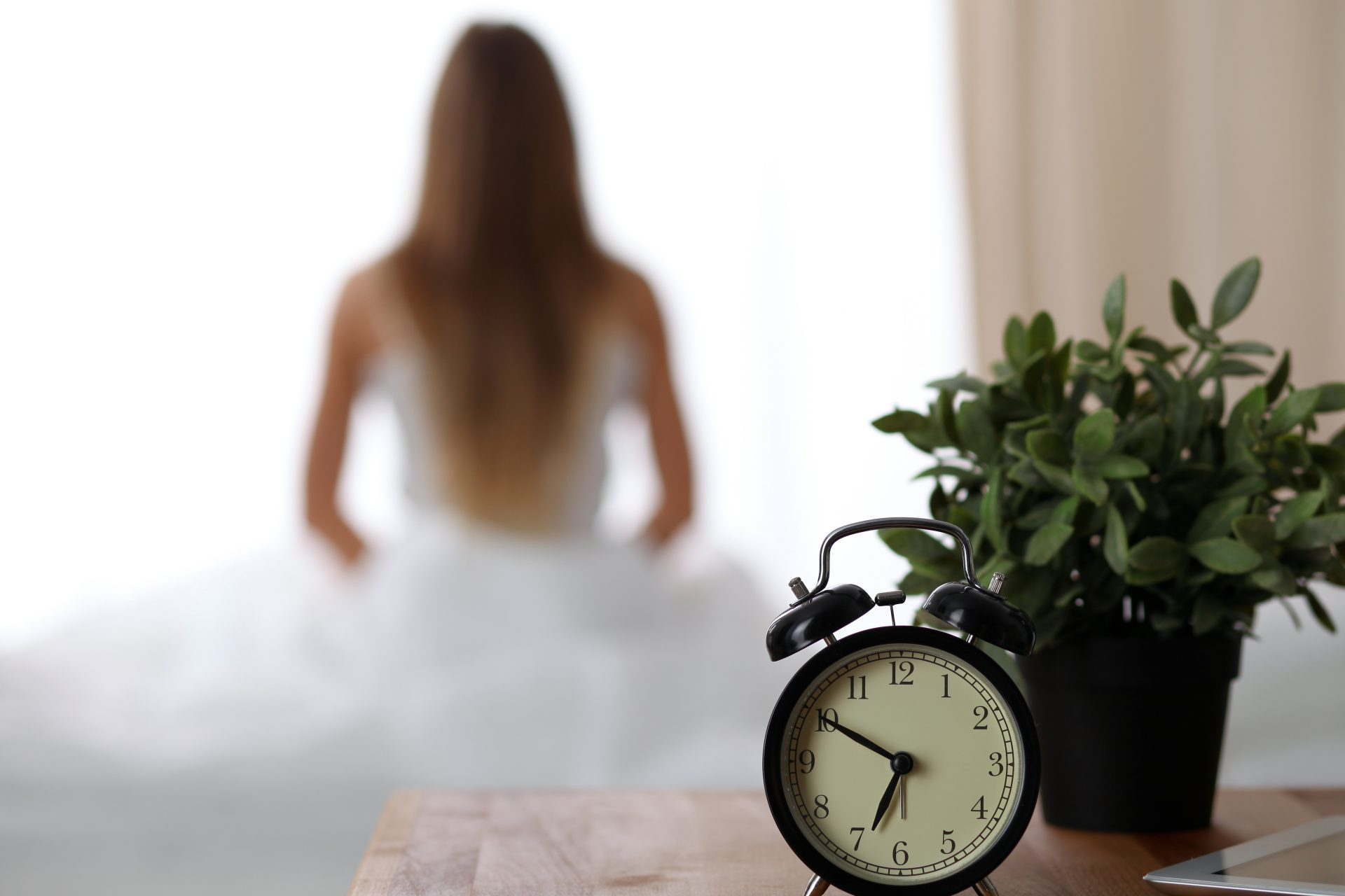 Successful-people-Morning-Routine-Ideas-Tips-To-Empower-Your-Day-Change-Your-Life-Meditation-Alarm