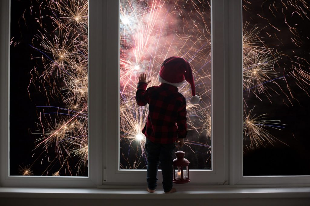 Fun-Activities-To-Ring-In-The-New-Year-Kids-Parents-NYE-Plans-fireworks