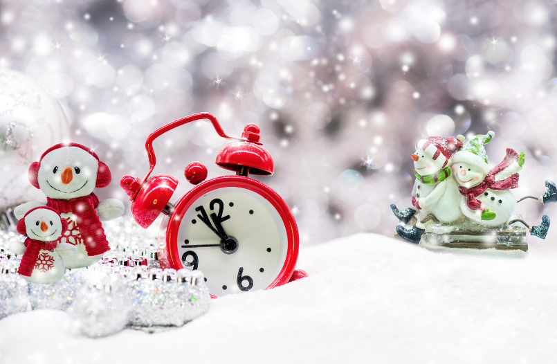 Fun-Activities-To-Ring-In-The-New-Year-Kids-Parents-NYE-Plans-snow-globe-countdown-snow-globe
