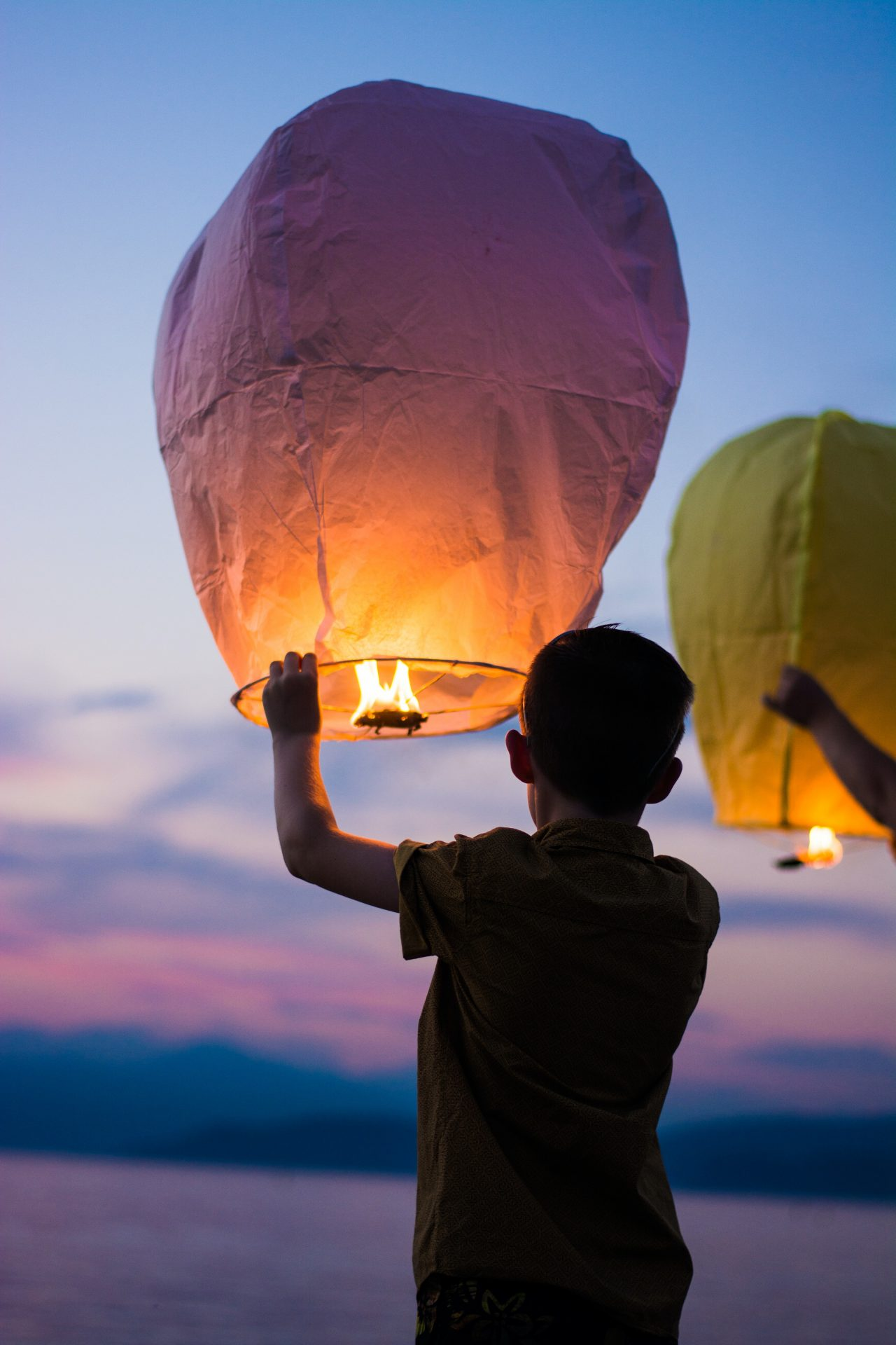 Things-Shit-to-let-go-right-now-new-year-letting-go-surrender-spiritual-growth-balloon-fire